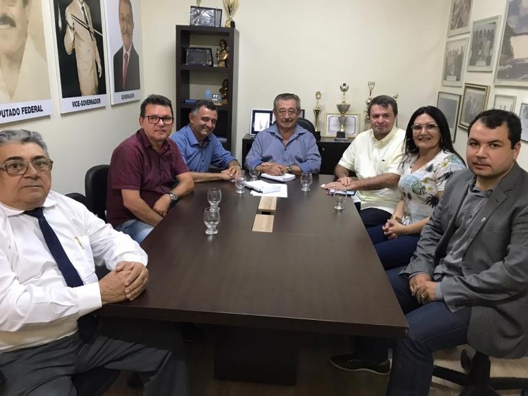 Reunião entre o deputado campinense Moacir Rodrigues, o prefeito de Mataraca e o presidente do MDB
